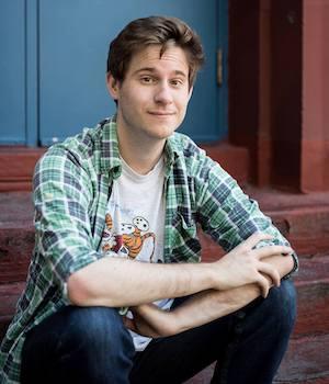 Headshot of Writer Mike Ross